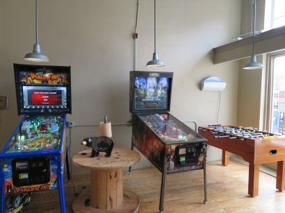 An overview of the games in the lobby of the taproom.