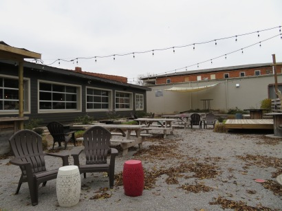 An overview of the patio.